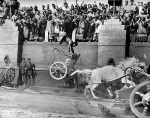 the-chariot-race-from-ben-hur-1959-mgm-b-d-m-black-and-white-horse-animal-racing-stunts-mptv-2017-jan-to-april-update-large-picture